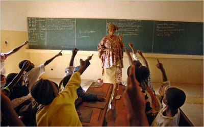 Cien estudiantes por aula