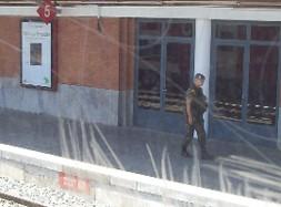 Militares y estaciones de tren